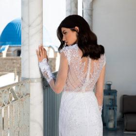 שמלת כלה עם גב מעוטר
