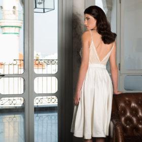 שמלת כלה קצרה עם גב פתוח