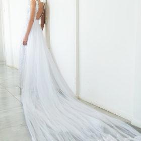 שמלת כלה עם גב פתוח