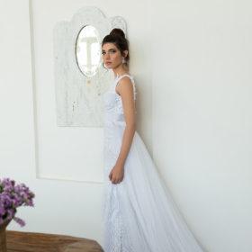 שמלת כלה לבנה חצאית נפוחה