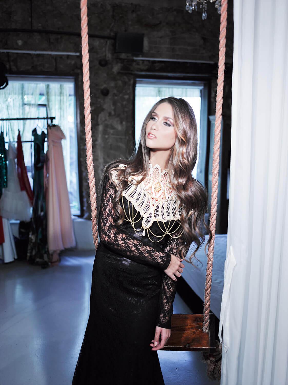 שמלות ערב צנועות ומרשימות - הילה כהן מעצבת שמלות ערב