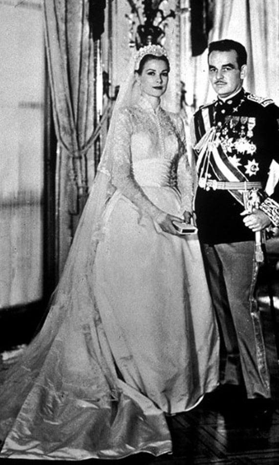 גרייס קלי - שמלת כלה מעוטרת שרוולי תחרה